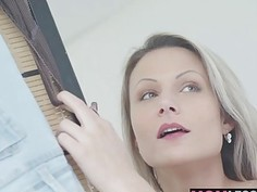 Horny stepmom Samantha decided to give Jason a blowjob