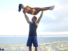 Apolonia Lapiedra and her private trainer are working out on the rooftop
