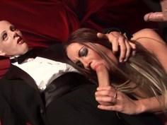 Deepthroat cabarét with Emma Butt